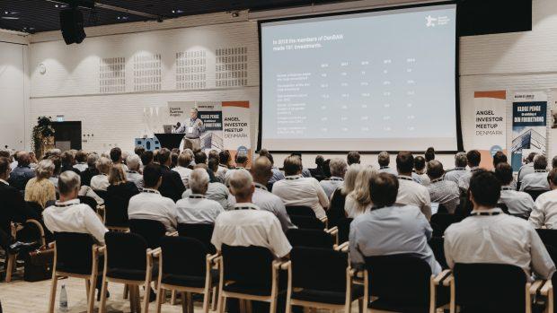 Jesper Jarlbæk fremlægger DanBAN undersøgelsen til årets Angel Investor Meetup. Foto: DanBAN