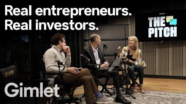 Investorerne sidder klar til at krydsforhøre de forskellige entreprenører. Foto: Gimlet Media